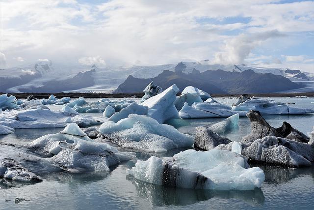 ledovce ve vodě